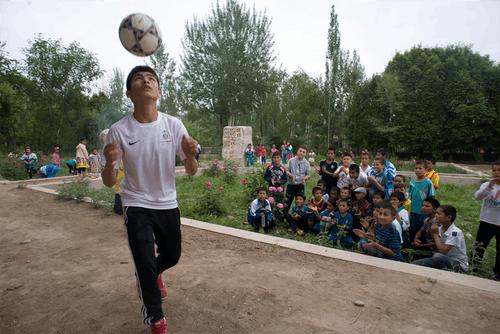 Uighur-Soccer-00007