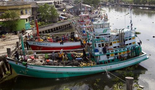 泰國龍仔厝府(Samut-Sakhon)的漁船。Photo Credit:AP/ 達志影像