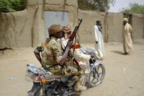 查德湖畔地區巡曳的查德士兵。博科聖地的活動已對奈及利亞鄰近國家造成威脅。AP/達志影像