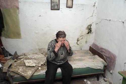 Halina:「戰爭爆發時我待在村裡,政府軍與叛軍雙方交火凌厲。想起戰爭時我總會哭泣打顫。」