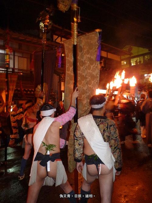 清涼畫面,火祭穿的傳統服飾。Photo Credit: 偽文青。日旅。諸相。