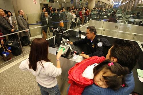 更嚴格的機場安檢,阻擋了更多的恐怖攻擊嗎?還是創造更多的歧視?