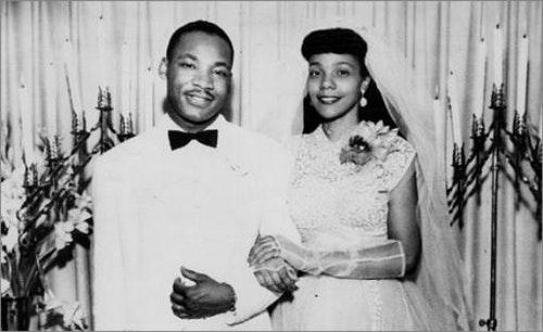 1953年新婚燕爾的金恩與柯蕊塔