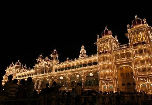 史上第一個瑜珈教室所在地Mysore Palace。Photo Credit:AP/達志影像