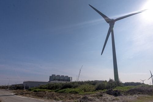 Google台灣資料中心 In the shadow of windmills