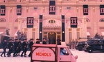 《歡迎來到布達佩斯大飯店》的魔鬼細節:認識電影「平面道具設計師」