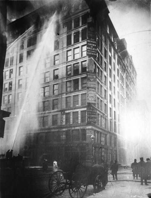 Image_of_Triangle_Shirtwaist_Factory_fir
