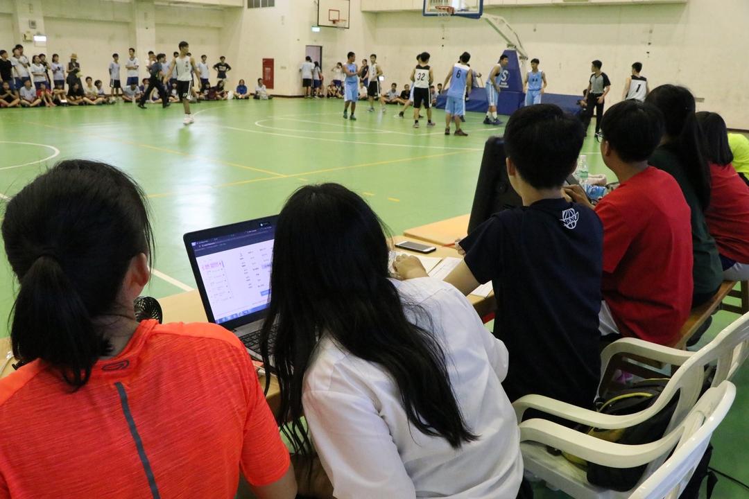 學生操作即時數據軟體照片003