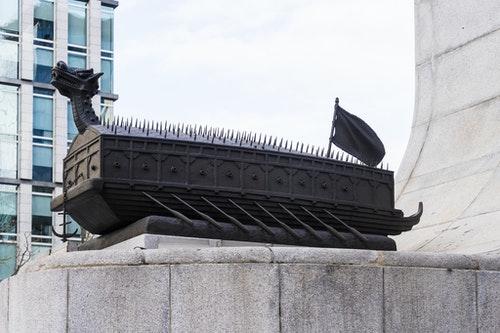 龜甲船 韓國忠武公李舜臣銅像  General Yi Sun-Sin Statue