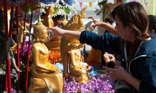 中國遊客潑水節期間造訪曼谷