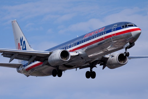 American_Airlines_Boeing_737-800_YUL_200