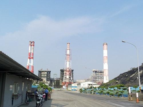 1200px-Da-Lin_Power_Plant2