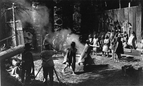 1280px-Filming_In_The_Land_of_the_Head_H