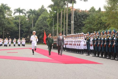 艾斯培訪問越南 吳春歷舉行迎接儀式
