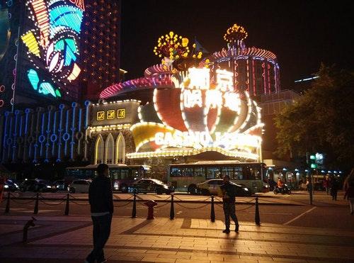 賭場帶動澳門經濟起飛  產業單一化
