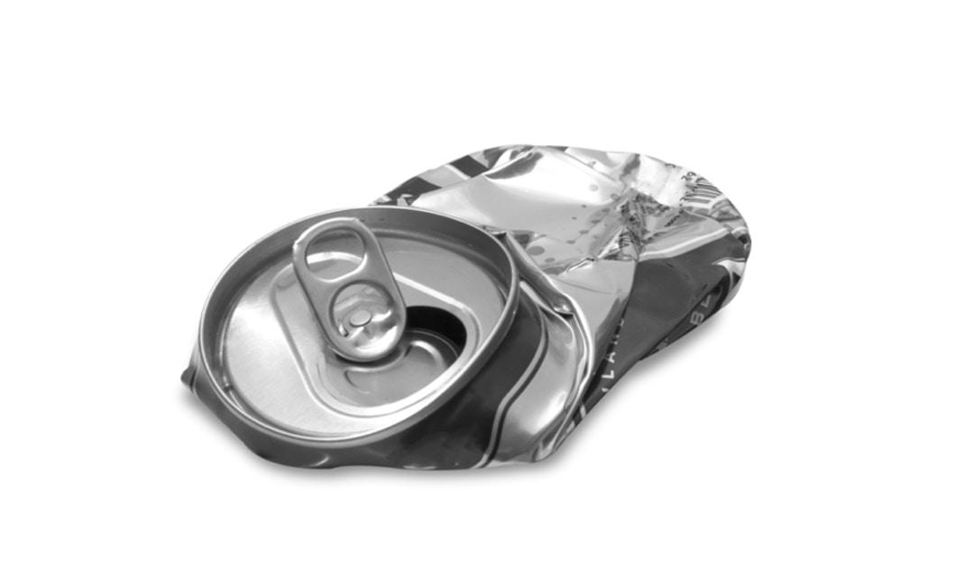 「回收前隨手捏」,輕鬆分辨鐵鋁罐!