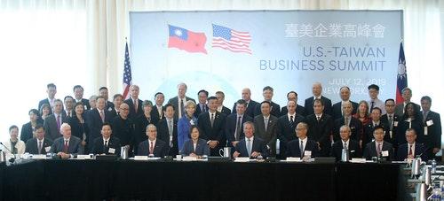 蔡總統出訪過境紐約 出席台美企業高峰會(2)
