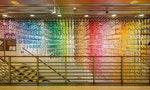 敦南誠品熄燈倒數:以上千張手裁色紙,打造滿載30年回憶的彩色瀑布