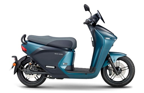 yamaha-gogoro-ec-05-electric-scooter-tai