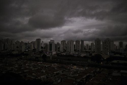 聖保羅市;黑雨