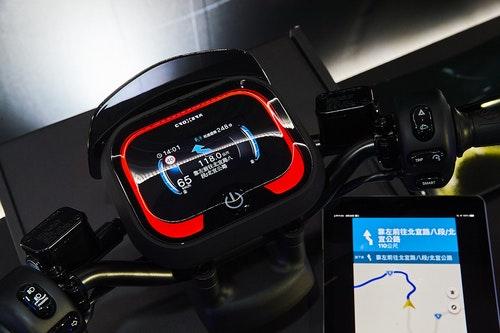 圖六:Ai-1_Sport搭載次世代CROXERA儀表系統,提供業界首創「一鍵導