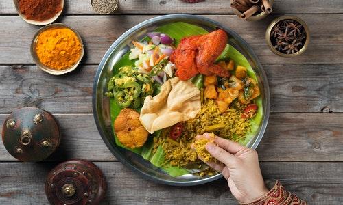 印度食物用手吃飯