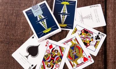 國王皇后也愛吃漢堡?元祖雞塊牌復刻60年代撲克牌設計