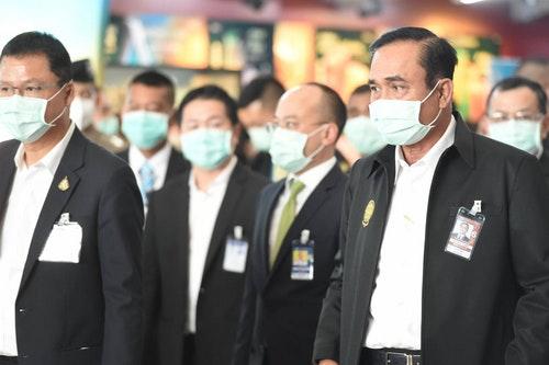 泰國總理帕拉育視察機場檢疫措施