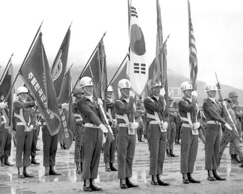 COLOR_GUARD_DISPLAYS_FLAGS_at_ceremonies