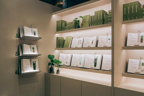 圖一、綠藤生機進駐信義誠品,以「書店中的書店」打造全新櫃位