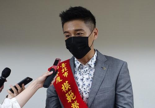 鄭人碩獲選北市模範勞工
