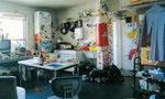乍見之下的凌亂不堪,對屋主來說自有一套固定的秩序:探訪東京藝大學生的家