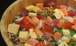 一樣都是在米飯上鋪滿魚料,散壽司與海鮮丼到底有什麼差別?